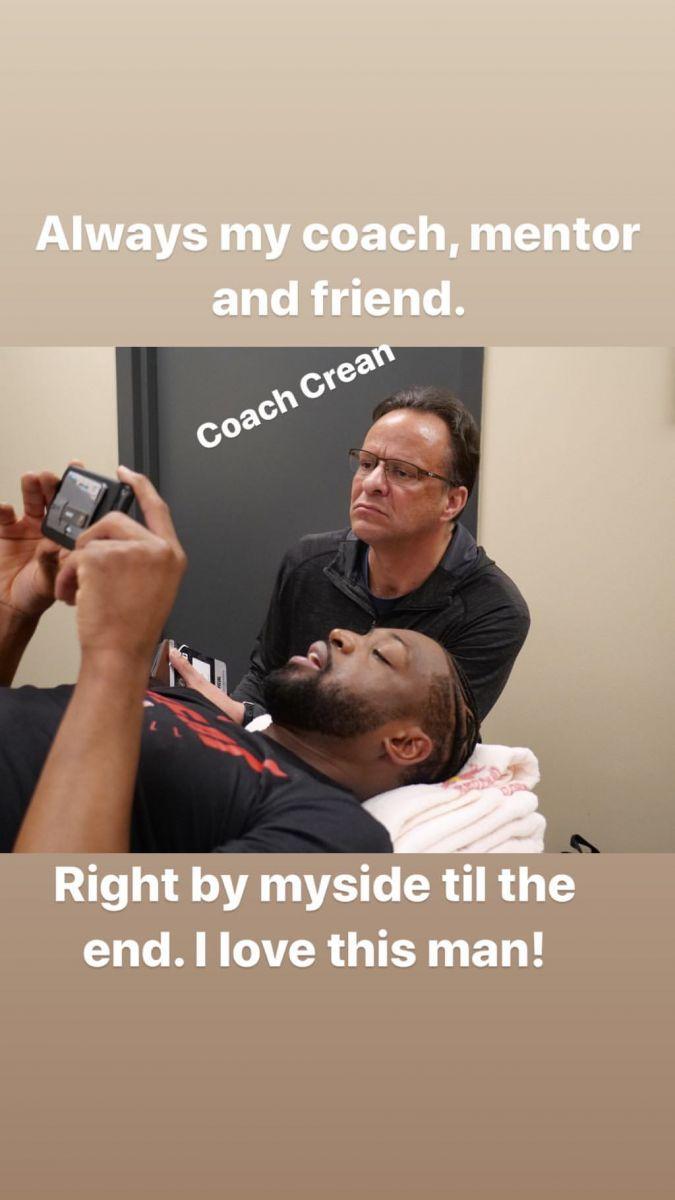 韦德在社媒分享多张与教练、好友和家人的合影 NBA新闻 第2张