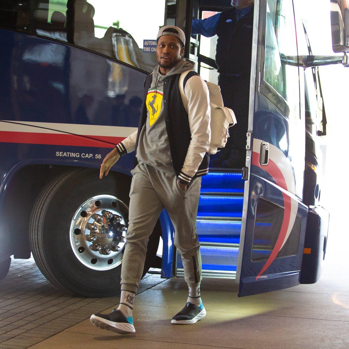 开启季后赛之旅!马刺众将抵达丹佛 NBA新闻 第4张