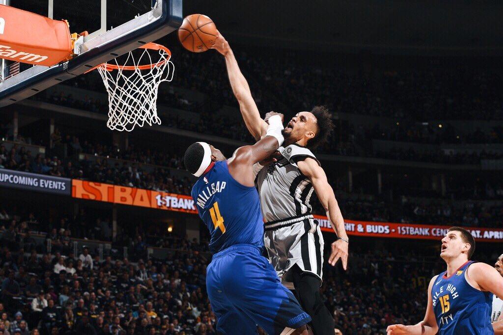 媒体发图总结今日经典瞬间:杜兰特贝弗利冲突领衔 NBA新闻 第3张