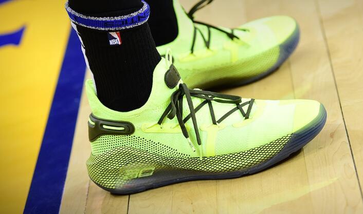 今日季后赛上脚球鞋一览:杜兰特上脚KD12 NBA新闻 第6张