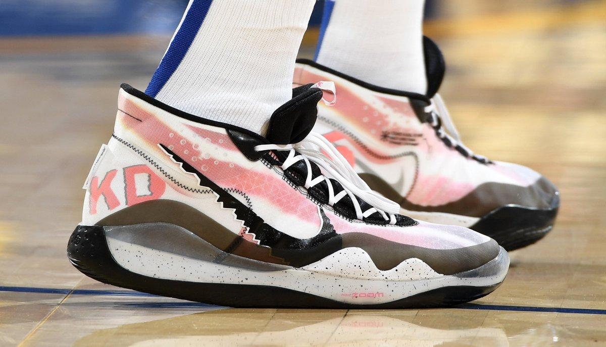 今日季后赛上脚球鞋一览:杜兰特上脚KD12 NBA新闻 第3张
