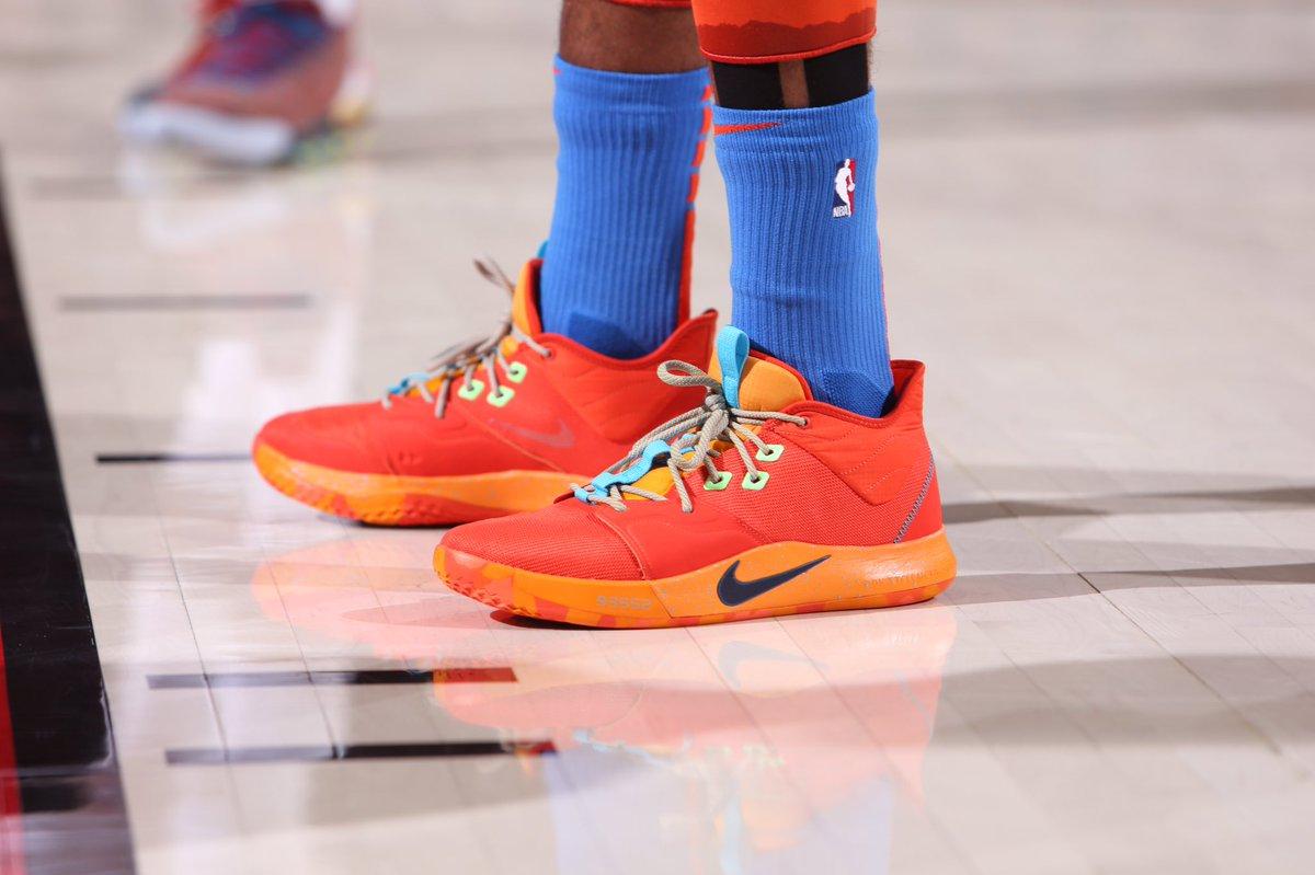 今日季后赛上脚球鞋一览:哈登上脚钢铁侠配色HardenVol.3 NBA新闻 第4张