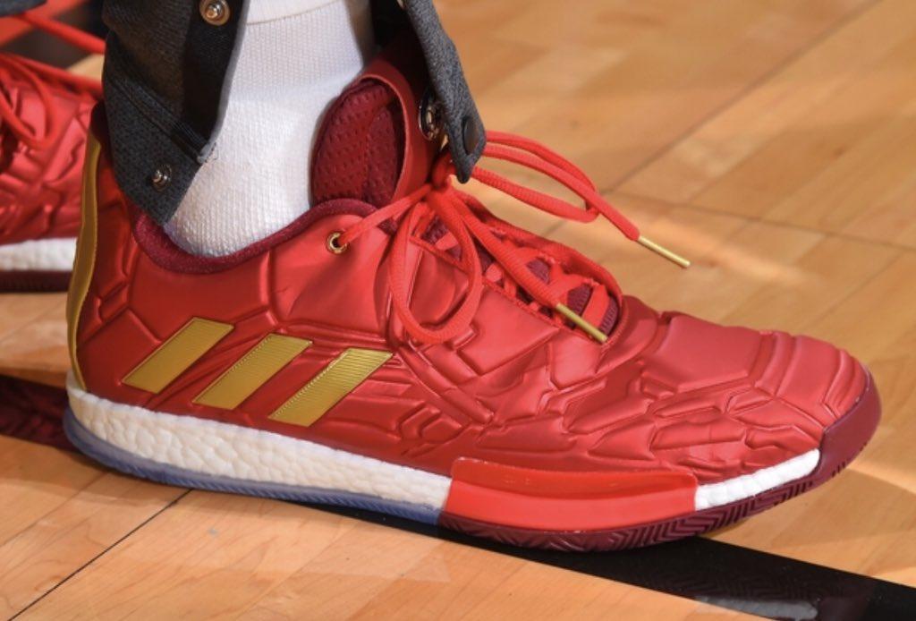 今日季后赛上脚球鞋一览:哈登上脚钢铁侠配色HardenVol.3 NBA新闻 第6张