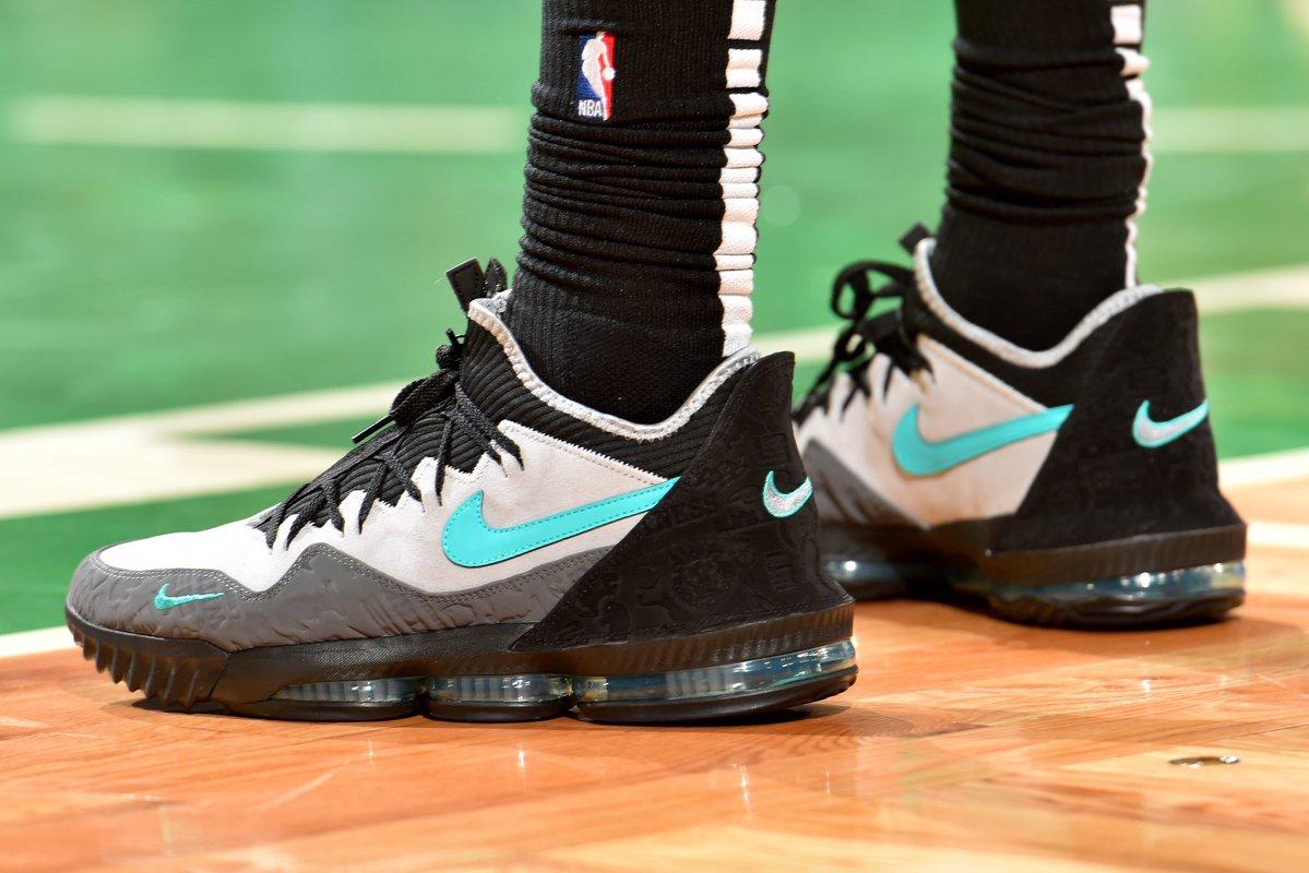 今日季后赛上脚球鞋一览:哈登上脚钢铁侠配色HardenVol.3 NBA新闻 第5张