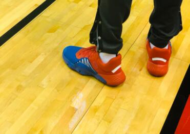 今日季后赛上脚球鞋一览:哈登上脚钢铁侠配色HardenVol.3 NBA新闻 第9张