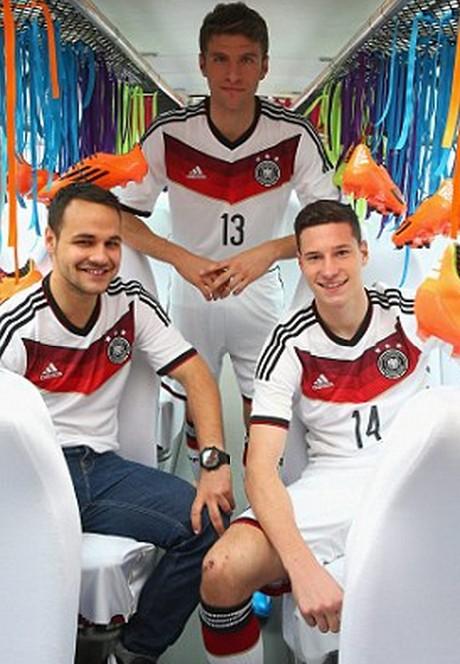 德国队0年新球衣_德国队发布欧洲杯新球衣经典配色直指冠军