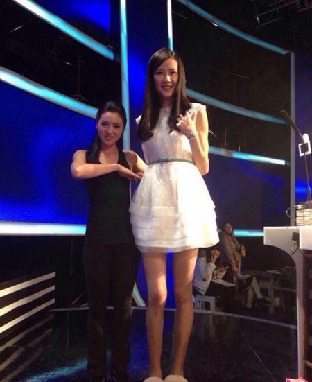来自江苏女篮的国手许诺作为女嘉宾