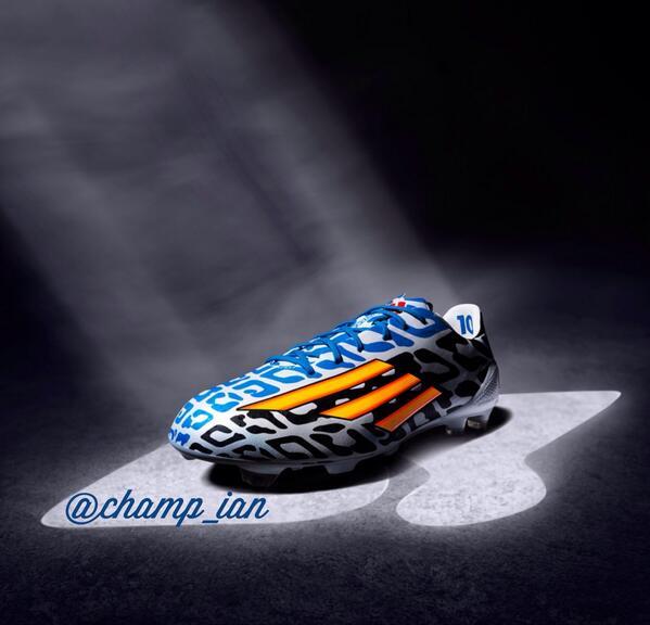 梅西的世界杯球鞋.