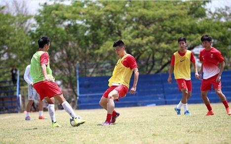 国奥VS老挝:绿城小将首发,张一诺镇守