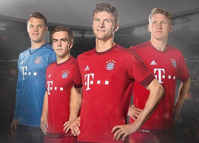托马斯穆勒球衣_拜仁在其官网上也发布了球员们身穿新赛季球衣的照片,托马斯-穆勒,拉