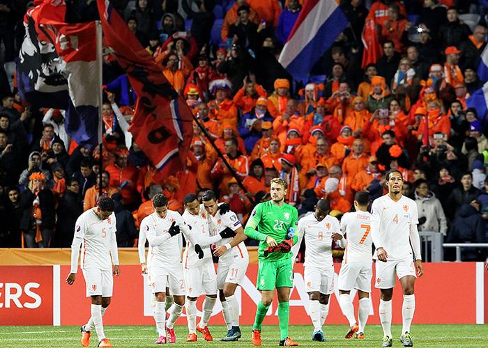 欧洲杯预选赛荷兰队命运堪忧