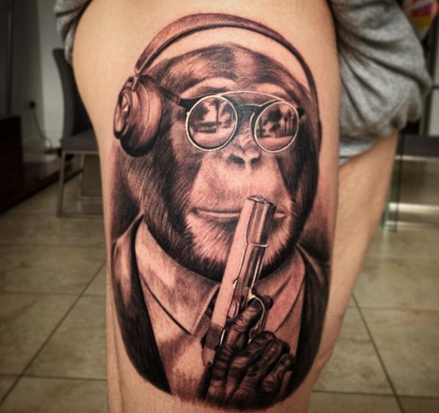莫雷诺本身就对纹身非常感兴趣,他的手臂,左小腿,小腹此前都已纹过