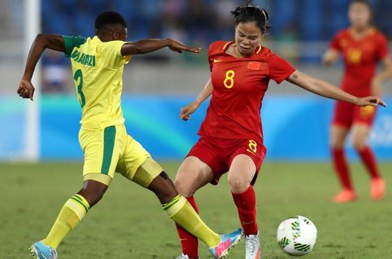 GIF:谭茹殷超远吊射,女足2-0南非