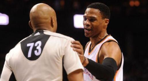 Russell Westbrook談球砸裁判:我非故意,我不是那種人-Haters-黑特籃球NBA新聞影片圖片分享社區