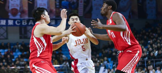 青岛数据:乔纳森-吉布森36分8篮板;达卡里-约翰逊18分9篮板;张骋宇24