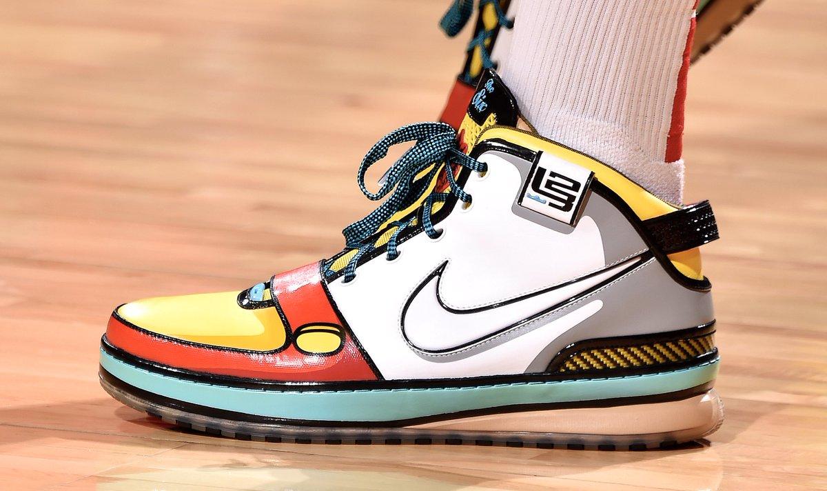 [虎]今日圣诞大战上脚球鞋一览:PJ-塔克上脚LeBron6