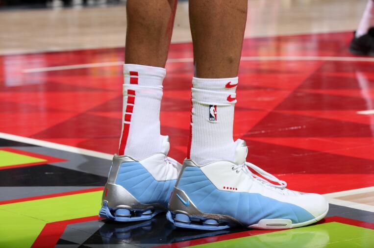 今日常规赛上脚球鞋一览:卡特上脚ShoxBB4