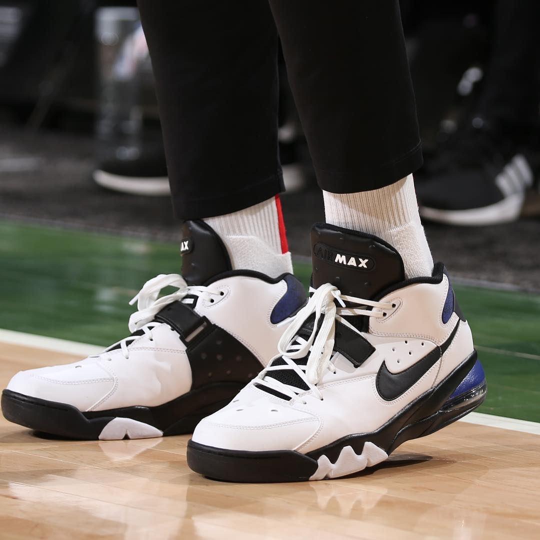 [虎]今日常规赛上脚球鞋一览:塔克上脚AirForceMax93