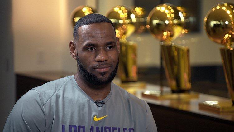詹姆斯:我太热爱篮球了,我会观看季后赛的