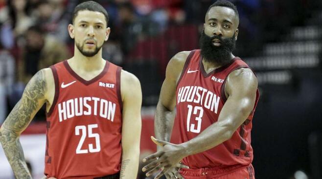 [虎]小里弗斯:勇士会认为他们将再次夺冠,他们也有理由这么认为 NBA新闻