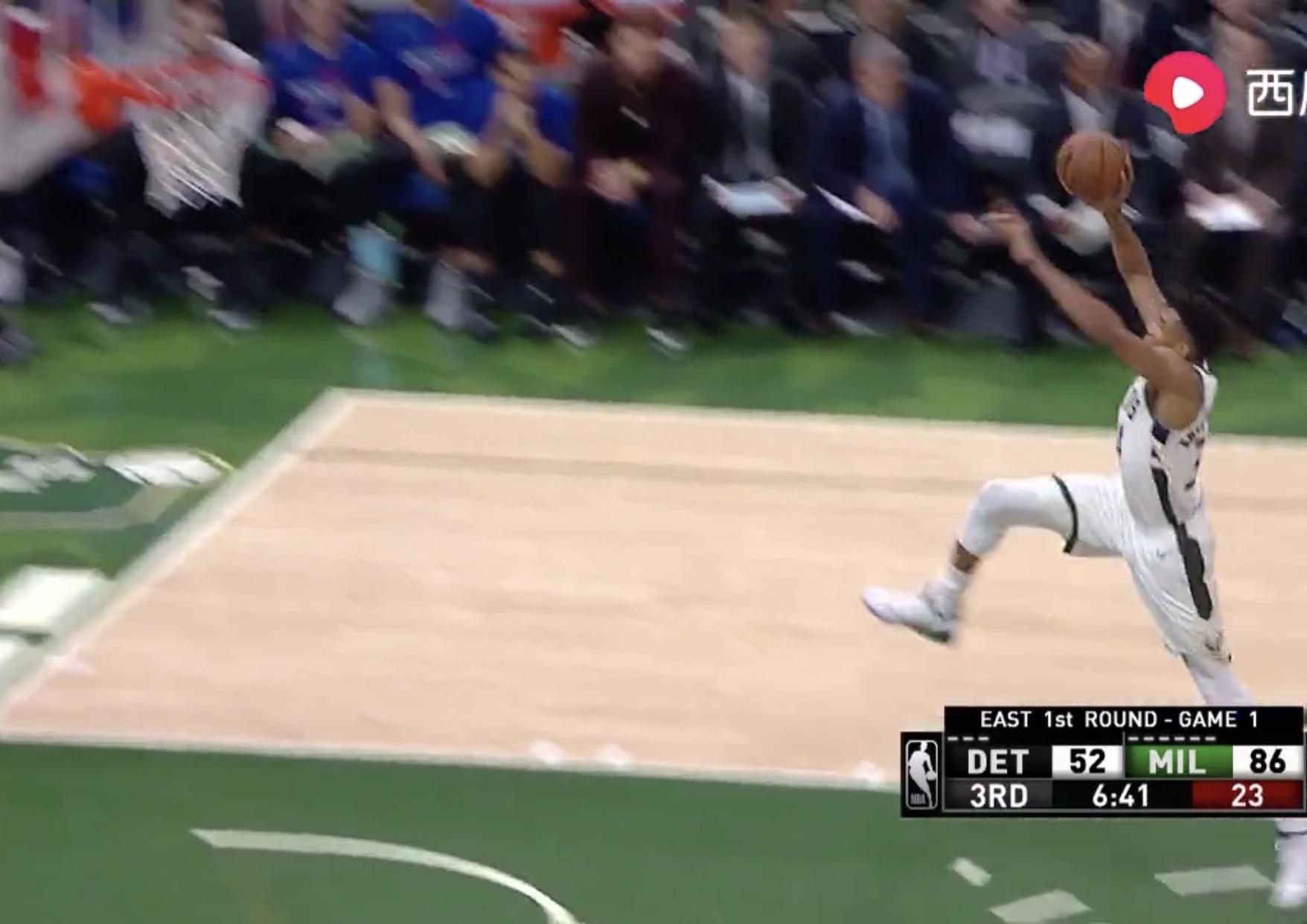 罚球线起跳!字母哥反击中超远距离滑翔暴扣 NBA新闻