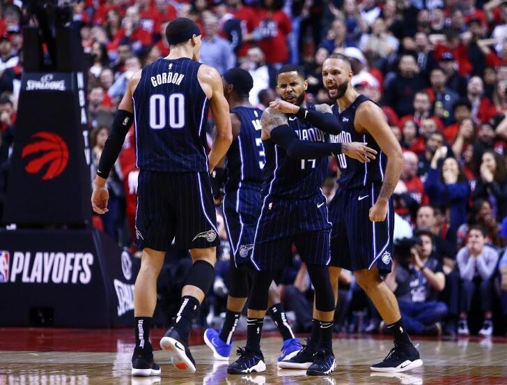 季后赛首轮首场各队三分球命中率排名:魔术48.3%居首 NBA新闻
