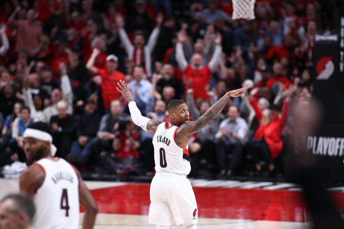 招牌三分捍卫主场!利拉德全场29分3抢断集锦 NBA新闻