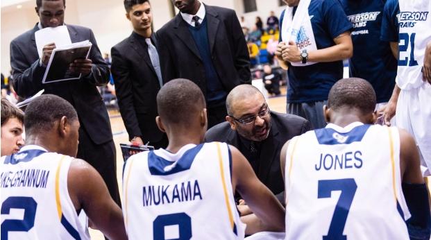 前加拿大男篮主教练罗伊-拉纳加入国王教练组