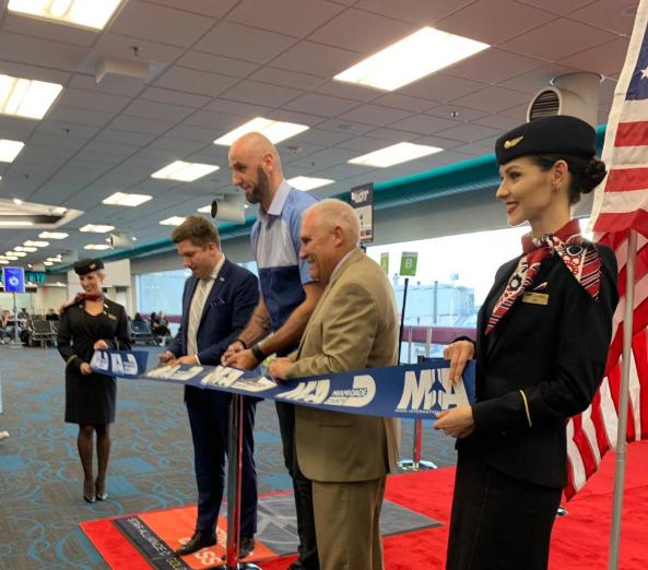 戈塔特受邀乘坐迈阿密至波兰华沙的首飞航班