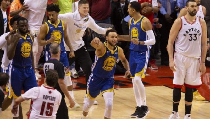 德雷蒙德-格林:库里对全队说要为了杜兰特赢下比赛 NBA新闻