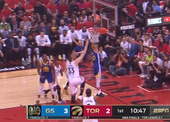 [视频]率队险胜!库里全场31分8篮板7助攻集锦