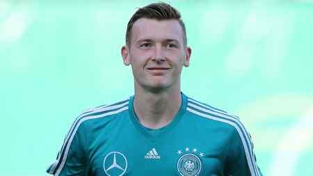 官方:德U21国门舒伯特加盟沙尔克04,签约4年