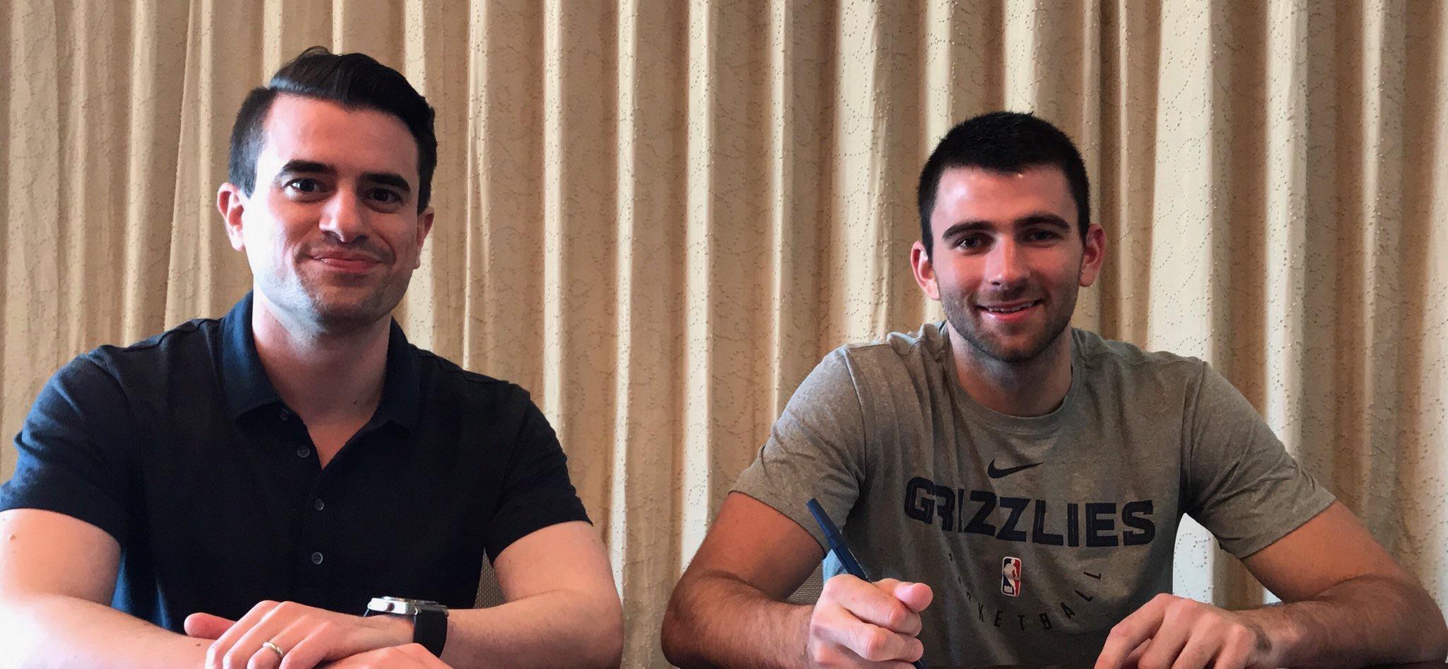 官方:灰熊与落选秀后卫约翰-康查尔签订双向合同