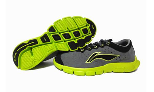 """夏日首选鲍威尔代言超轻""""轻羽""""超透气缓震顶级跑步鞋ARBF027-1"""