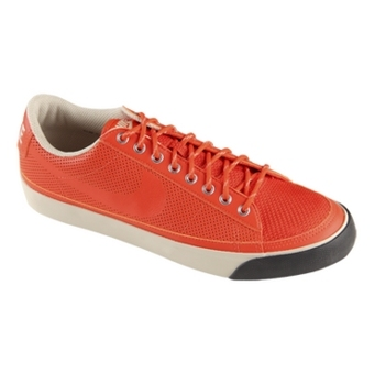 Nike Blazer Low 对橙