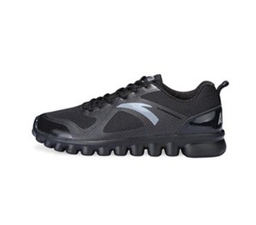 安踏轻质透气跑鞋