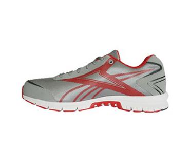 锐步超轻跑步鞋