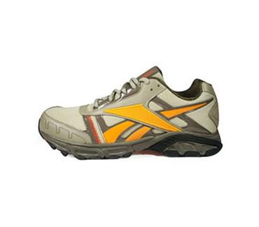锐步男子基础跑步鞋