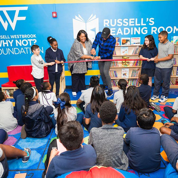 网上在线赌博开户:威斯布鲁克在洛杉矶开办多家阅览室以回馈社区
