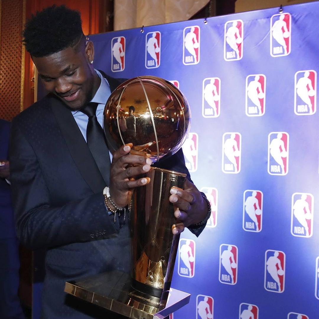 保时捷娱乐彩票安全吗:NBA总裁萧华发布图集:乐透抽签仪式