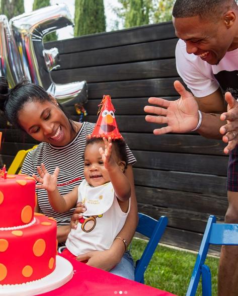 75秒急速赛车彩票:威少妻子回忆儿子生日派对:我甜蜜宝贝儿的第一次生日派对