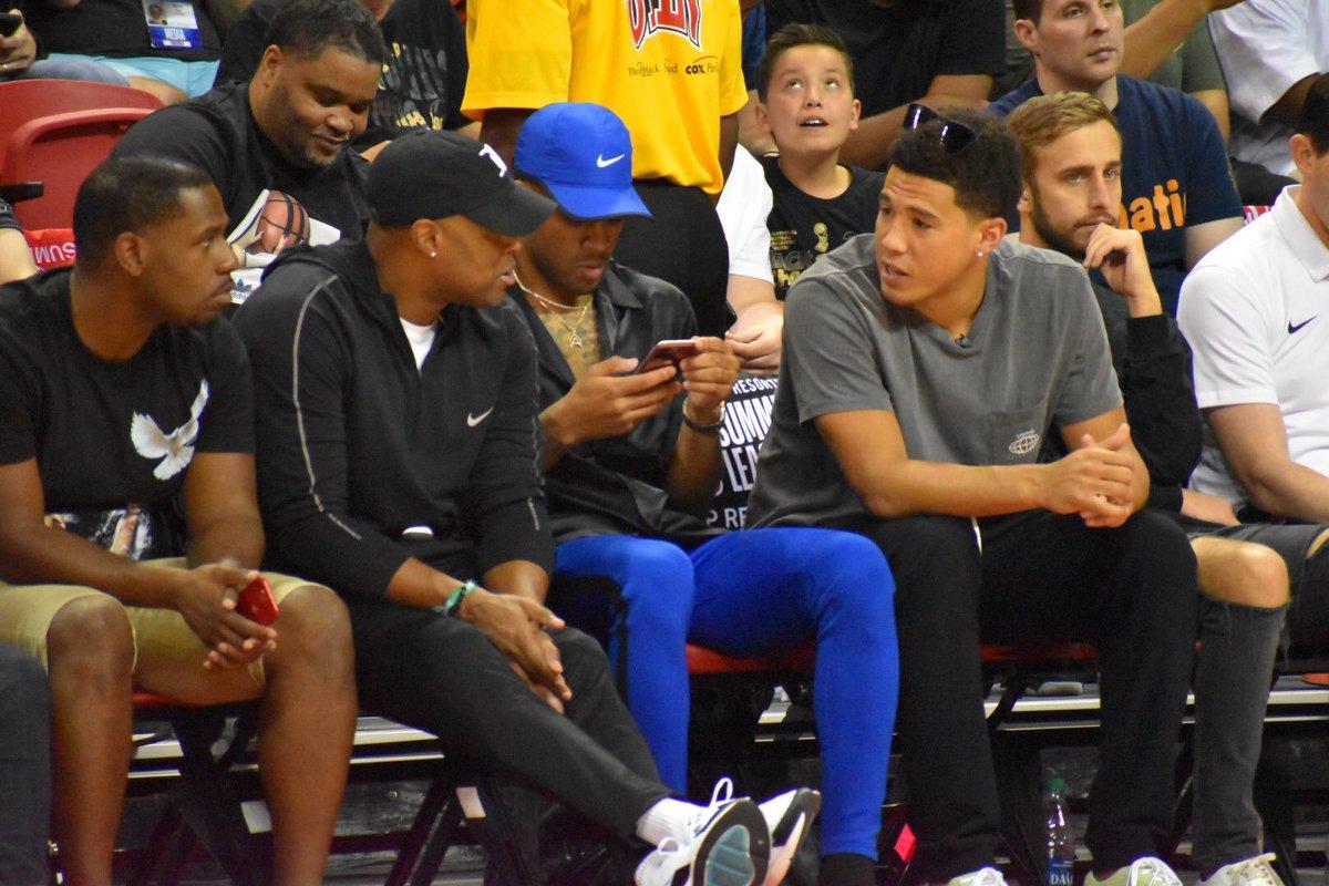 照片看万众注视!NBA官方宣布沃尔等球员现场不雅的夏联