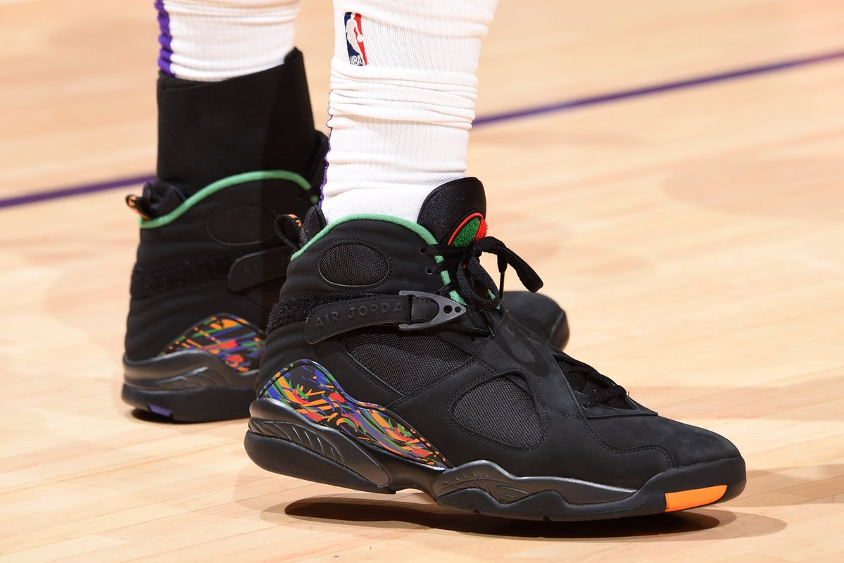今天上脚球鞋一览:抢眼配色的哈勒尔定制版AJ13