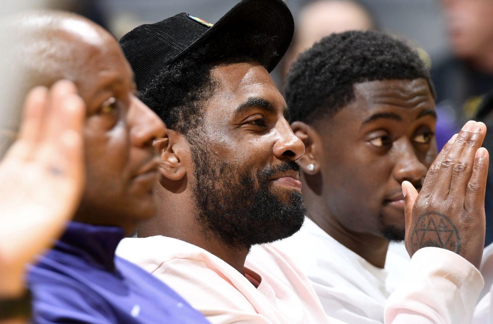增進隊友之情!歐文勒韋爾現場觀戰WNBA比賽