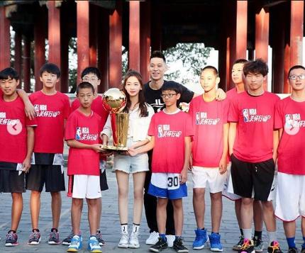 林书豪晒多张亚洲行照片:不可思议的47天