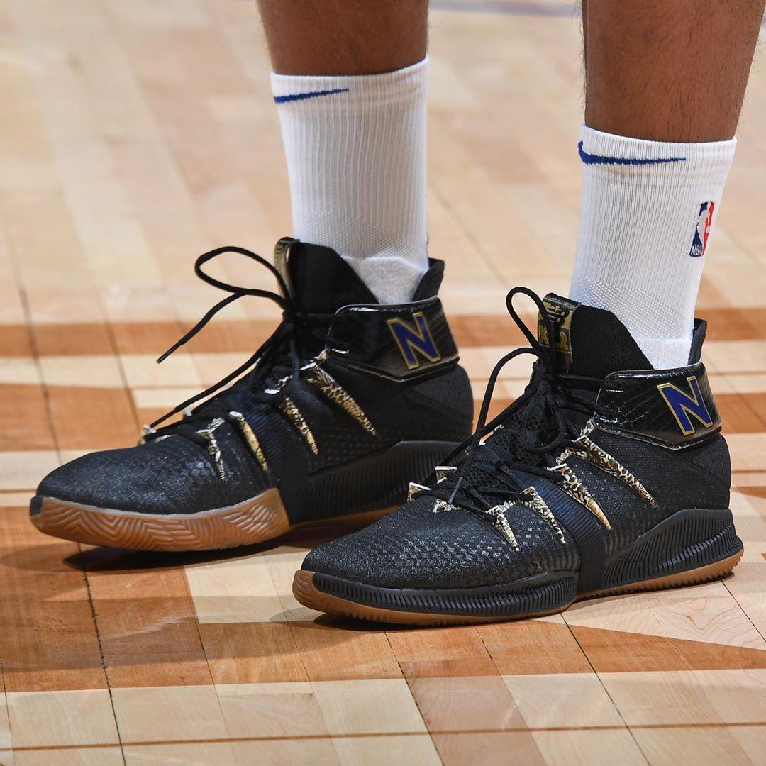 今日常规赛上脚球鞋一览:哈勒尔上脚李宁全城8