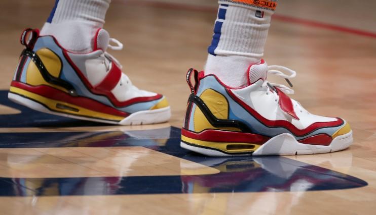 今日常规赛上脚球鞋一览:欧文上脚Nike Kyrie 6