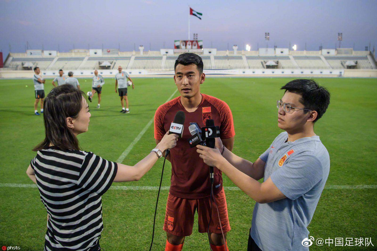 王子铭:教练对我们要求越来越严格,时刻做好上场准备
