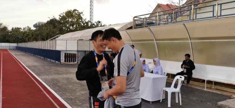 """陈戌源飞抵国奥前线忙""""减压"""":韩国队比我们怕输球"""