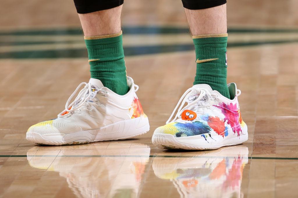 今日球鞋:海沃德上脚GH 1,汤普森上脚KT 5
